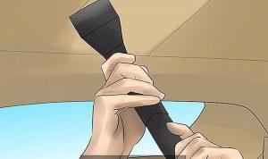 كيفية تنظيف سقف السيارة